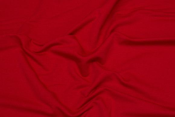 Let joggingstof i rød