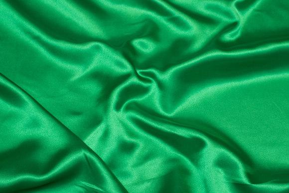 Polyestersatin i stærk grøn