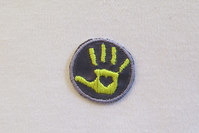 Hånd Strygemærke gul/støvlilla Ø2,5cm