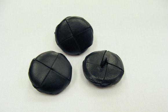Flettet læderknap sort 2 cm