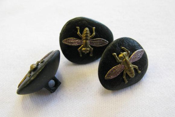 Knap med Sten-look med flue på 1,7 cm