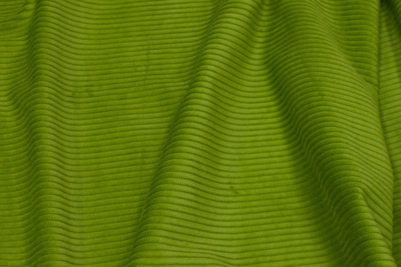 Kiwigrøn bredriflet fløjl