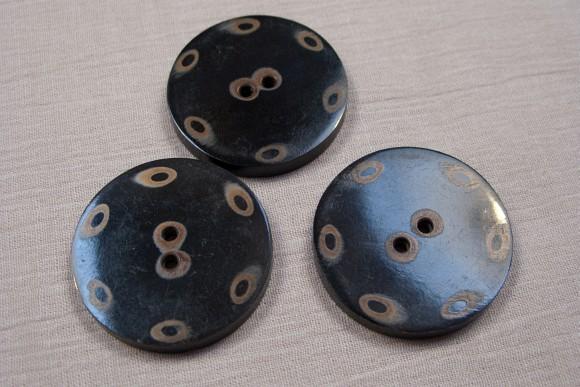 Håndlavede hornknapper, 4 cm diameter