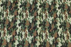 Let bomuld med camouflagemønster i grønne nuancer