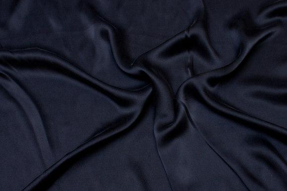 Sort, superflot sandvasket ren silke