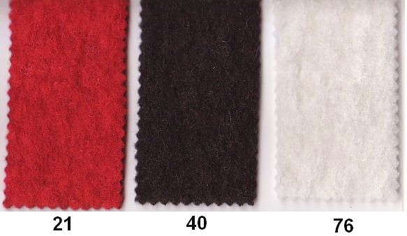 Filtet uld i højrød, mørkebrun, råhvid