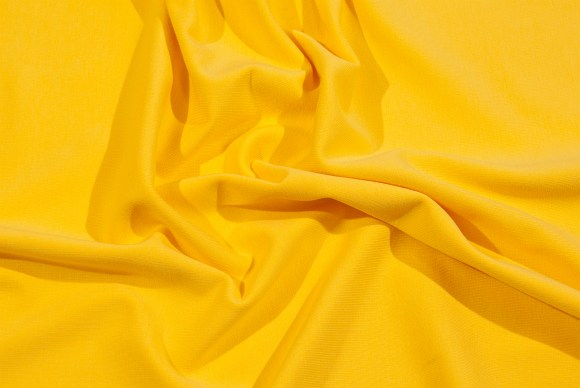 Blød gul strækjersey
