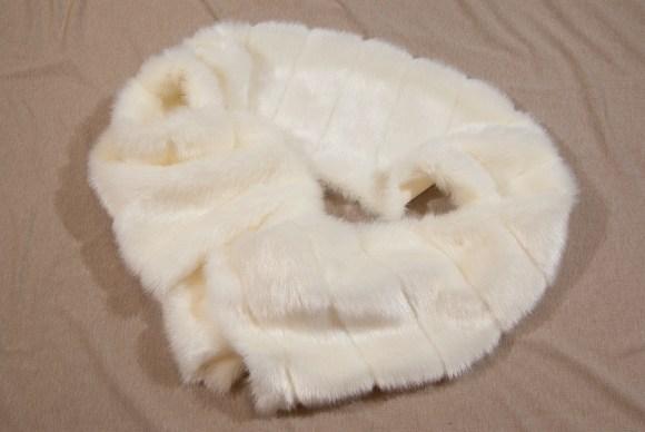 Råhvid mink i flot imiteret kvalitet, 20 cm strimmel