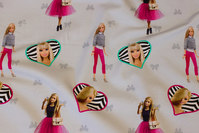 Sart lysegrå bomuldsjersey med Barbie