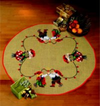 Juletræstæppe med dansende nissepar. Permin 45-3254.