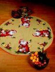 Permin 45-3255. Juletræstæppe med julemandens dyr.