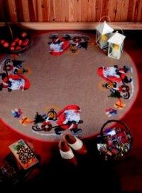 Permin 45-5218. Juletræstæppe med nisse trækker kælk.