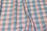 Bluseviscose i 2 cm tern i rosa glitter og lys petrol