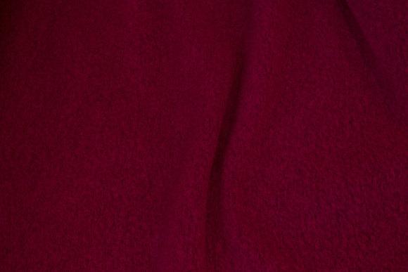 Filtet uld i fuchsiafarvet