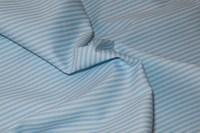 Hvid-lyseblå bomuldspoplin med 3 mm strib