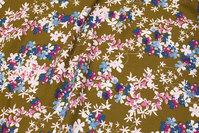 Olivengrøn viscose mousselin med rosa og blå blomster