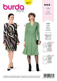 Jersey kjole, klokkeformet skørt, draperet ved talje. Burda 6277.