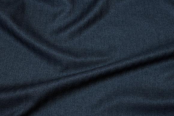 Let møbelvare i koksgrå sildebensmønster