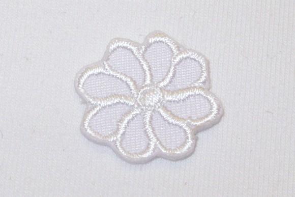 Lille hvid blomst strygemærke ø 2 cm