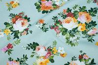 Lys æblegrøn mellemsvær bomuld og polyester med blomster
