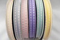 Prikkede bånd pastelfarver 0,6cm