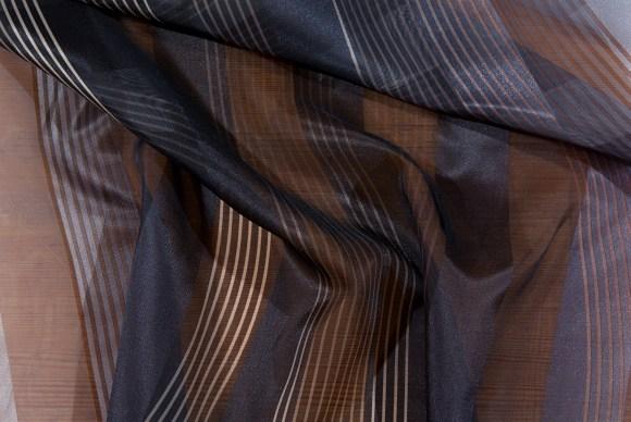 Sort-grå, langstribet, transparent modevare
