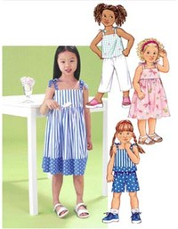 Kjole, top, shorts og bukser. Butterick 3477.