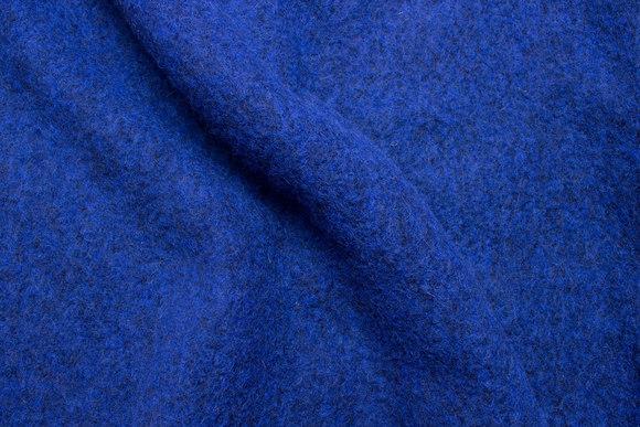 Filtet uld i stærk blå