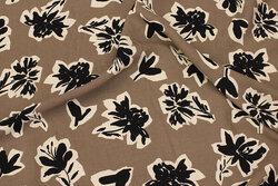Jordfarvet bluse-viscose med ca. 6 cm mønster i sort og off white